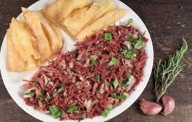Carne seca desfiada com aipim frito em 30 minutos