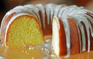Calda de açúcar para bolo