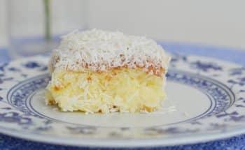 Receita de bolo de coco simples em 6 passos