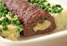 Rocambole de carne com queijo puxa-puxa