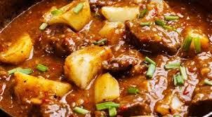 Carne de panela com batata com 4 ingredientes