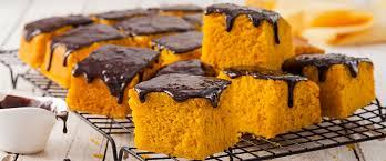 Receita de bolo de cenoura com calda de chocolate em apenas 50 minutos