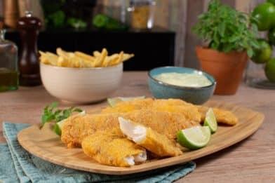 Peixe frito com fubá sequinho e crocante
