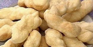 Delicioso biscoito de polvilho frito prático