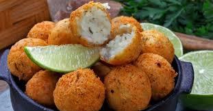 Delicioso bolinho de bacalhau simples