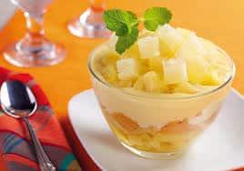 Sobremesa com doce de abacaxi