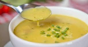 Sopa de mandioca prática e deliciosa