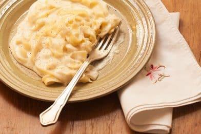 Simples receita de macarrão com creme de leite