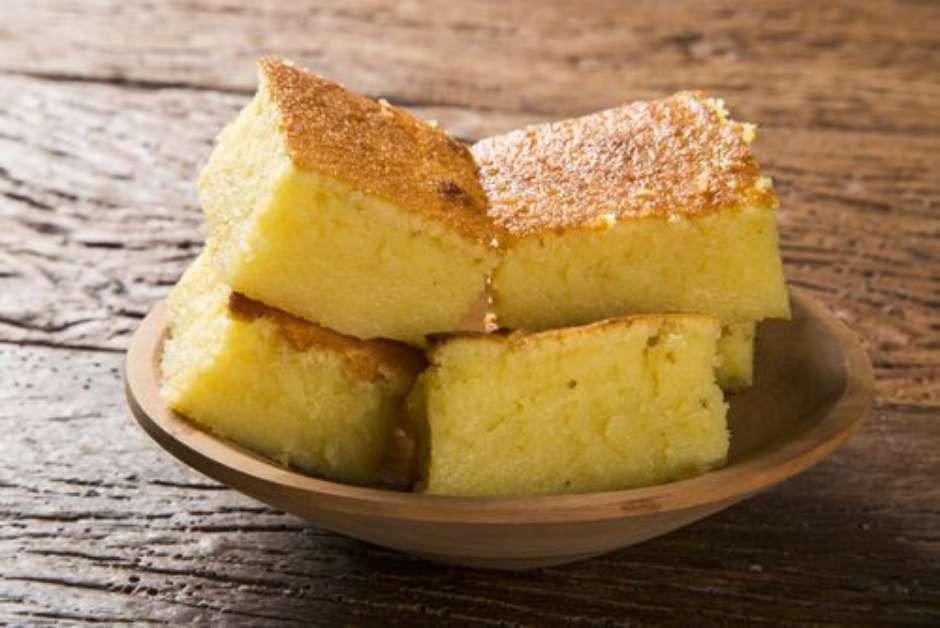 bolo de milho cremoso com leite condensado