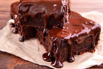 Passo a passo de calda de chocolate para bolo